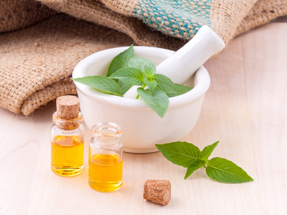 1-therapeutic-essential-oils